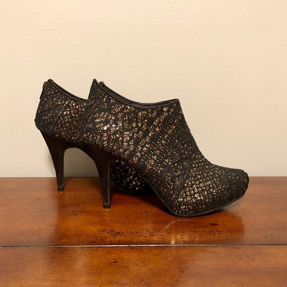 Maurices Shoes - BLACK & GOLD GLITTERY ANKLE BOOTS
